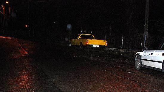 18-latek spadł z paki pickupa. Trafił do szpitala z urazem głowy