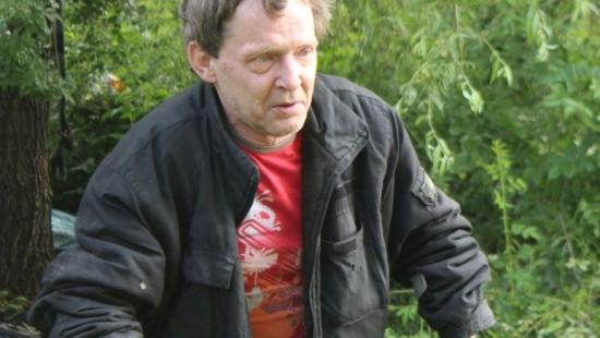 SANOK: Inwalida żyje w krzakach już ponad miesiąc (FILM, ZDJĘCIA)
