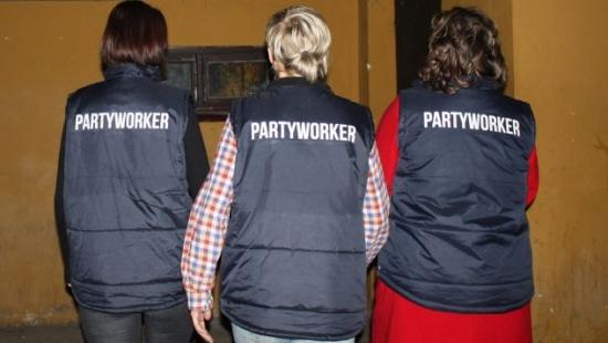 """,,Wyliczamy przybliżony poziom alkoholu we krwi"""". Partyworkerzy o bezpieczeństwie podczas zabawy (ZDJĘCIA)"""