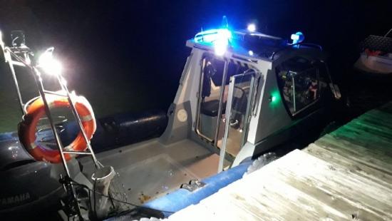 BIESZCZADY: Wznowiono poszukiwania mężczyzny, który wpadł do Jeziora Solińskiego