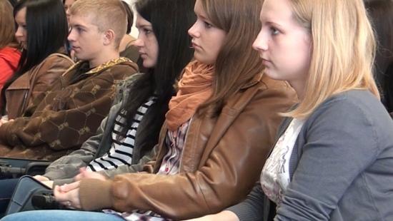 Młodzież i seniorzy poznali sanockich artystów znanych poza granicami kraju! (FILM)
