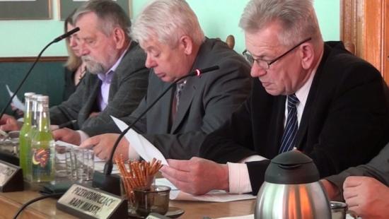 O placu po Torsanie, remontach dróg w mieście oraz budżecie obywatelskim w wolnych wnioskach (FILM)