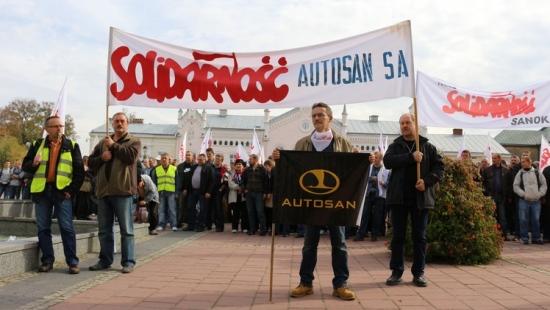 """W poniedziałek NSZZ """"Solidarność"""" złoży doniesienie do prokuratury w sprawie Autosanu"""