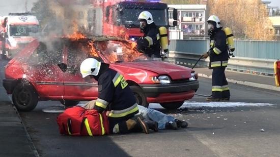 SIENIAWA: Wypadek autobusu, samochód w zalewie i akcja ratunkowa śmigłowca! (FILM)
