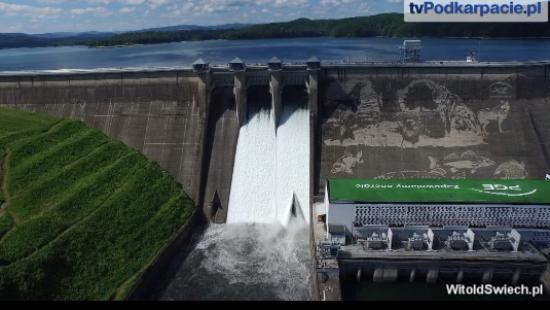 Eksplozja wody w Solinie. Zobacz wyjątkowe zdjęcia z lotu ptaka (FILM)