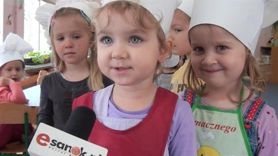 Smakołyki małych kucharzy. Konkurs kulinarny w przedszkolu (FILM)