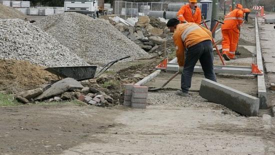 SANOK: Jakie inwestycje drogowe przeprowadzi powiat? Kolejny zwrot subwencji oświatowej ciosem dla budżetu