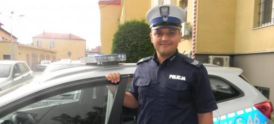 Policjant na wakacjach uratował dziecko od utonięcia