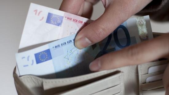 LESKO: Para pobiła i ukradła mężczyźnie ponad 2 tysiące euro